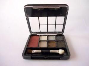 kosmetyki pomagające w makijażu